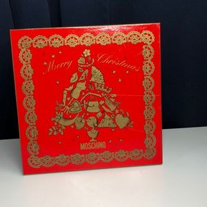 Moschino Christmas box